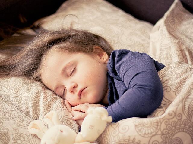 ショートスリーパーの偉人・芸能人・有名人の睡眠時間比較してみた
