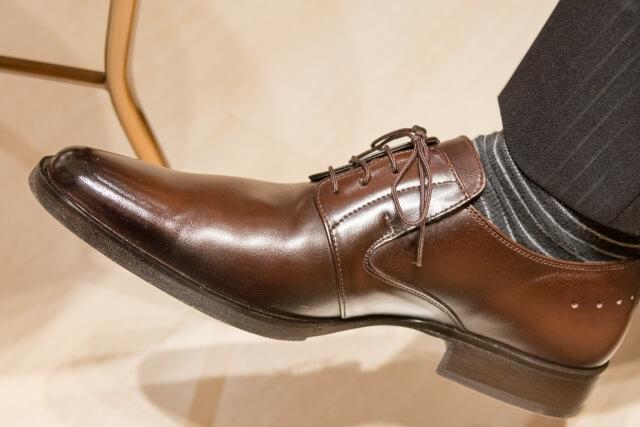 足が痛くなる靴